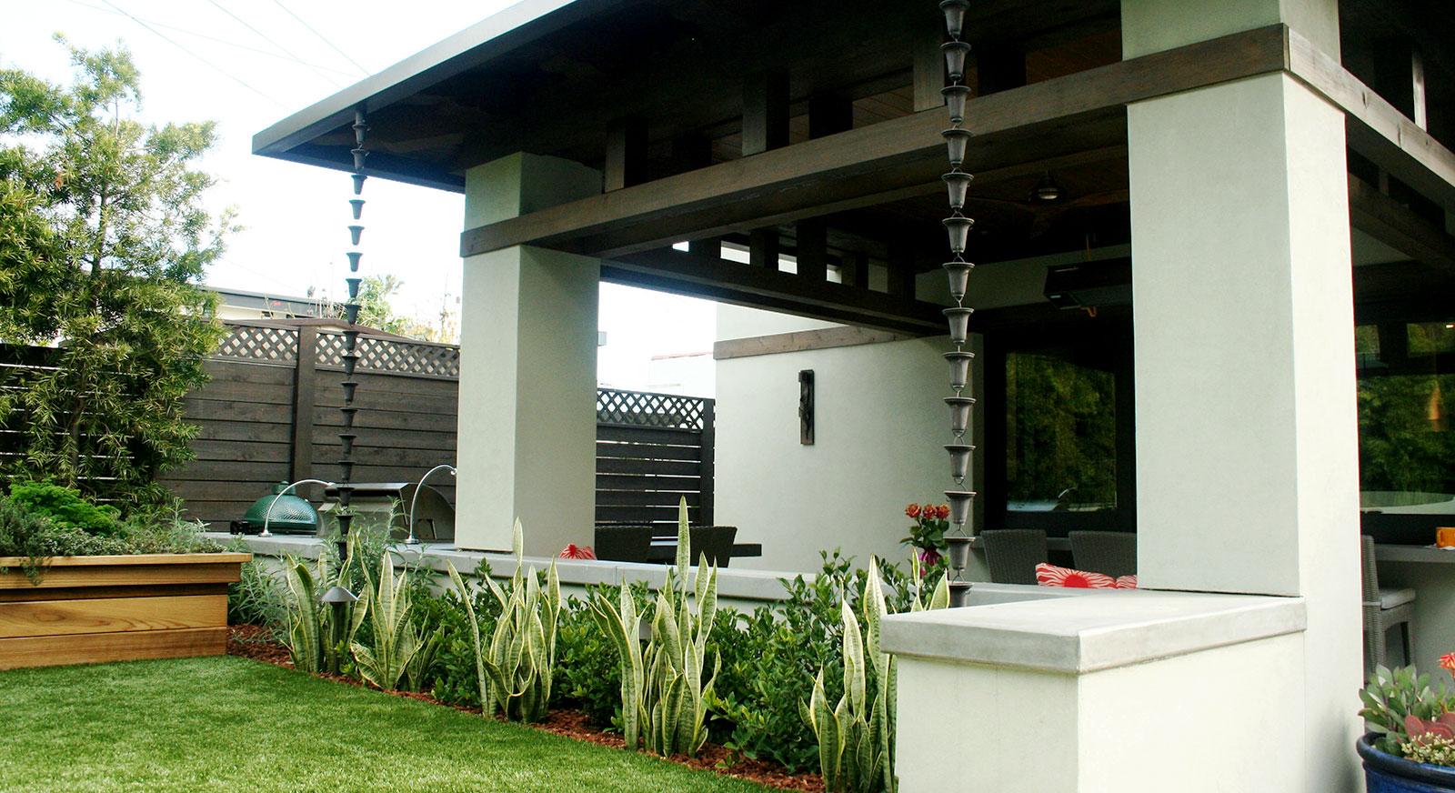 Cross Construction Inc. Backyard exterior hardscape landscape