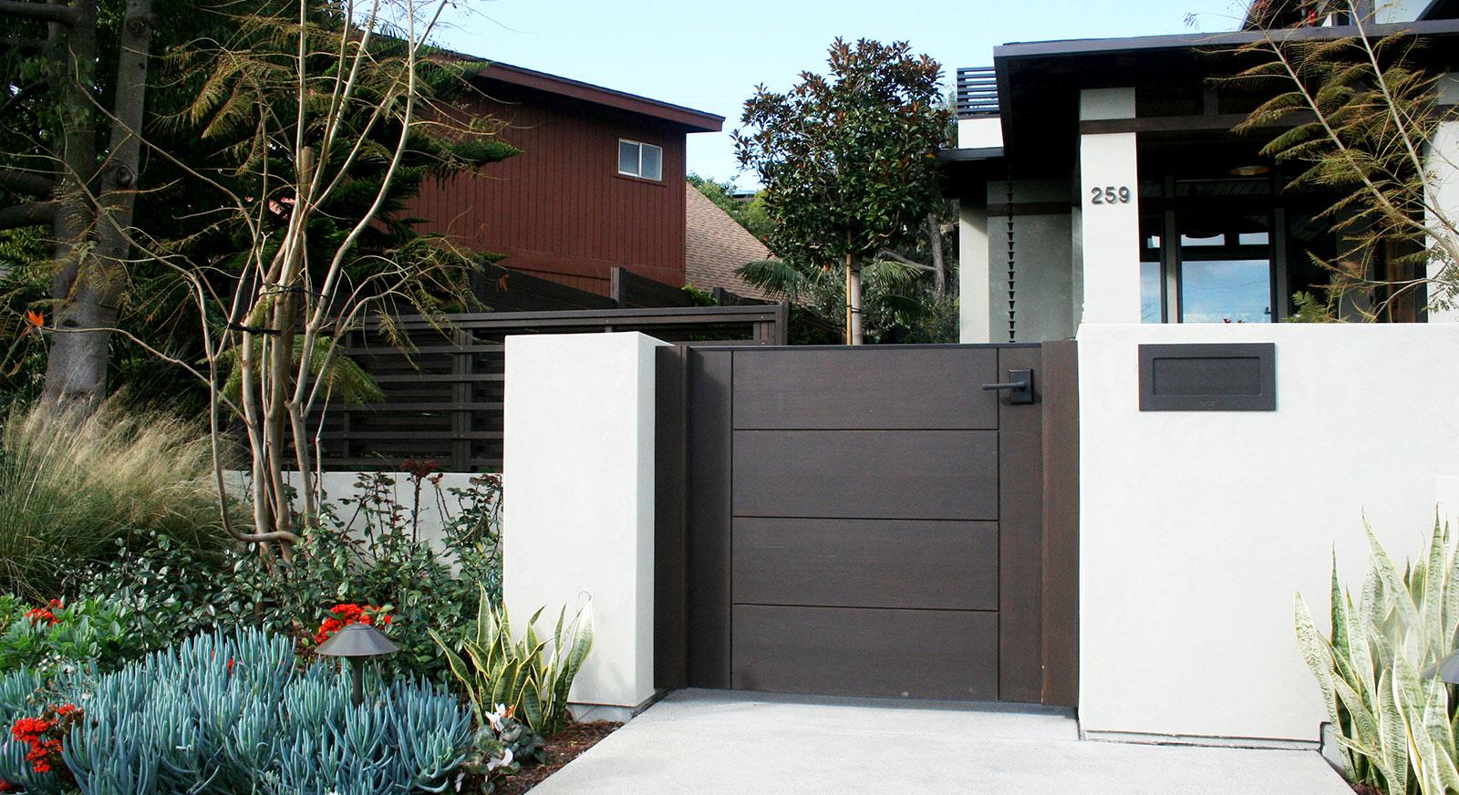 Cross Construction Inc. Gate. Exterior Landscape