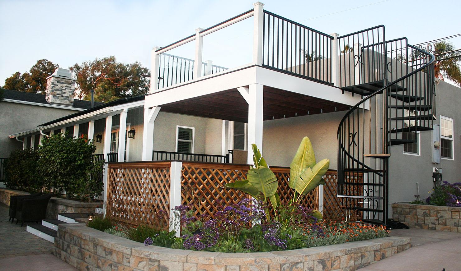 Cross Construction Backyard House, Flower Bed